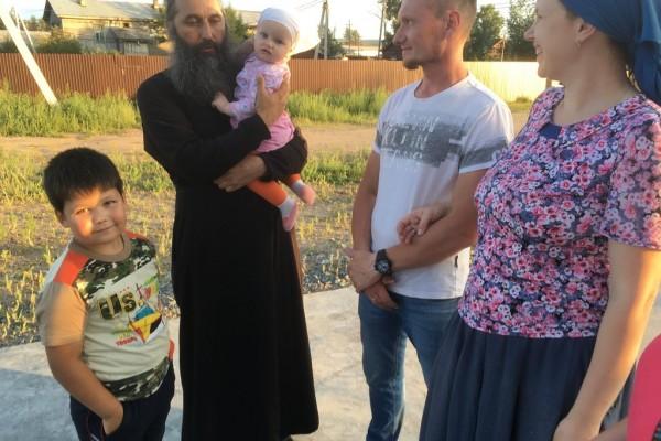 С семьей из детской деревни